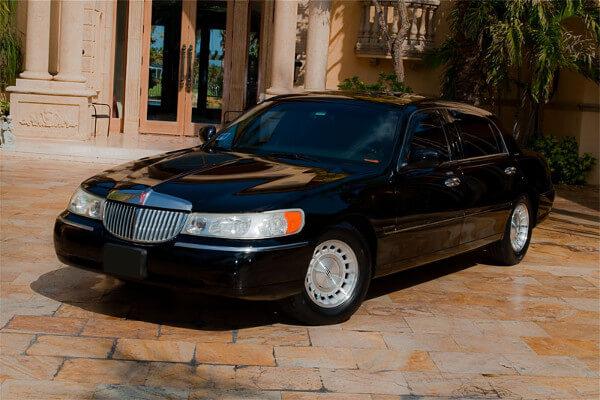 Lincoln Sedan Jacksonville Rental